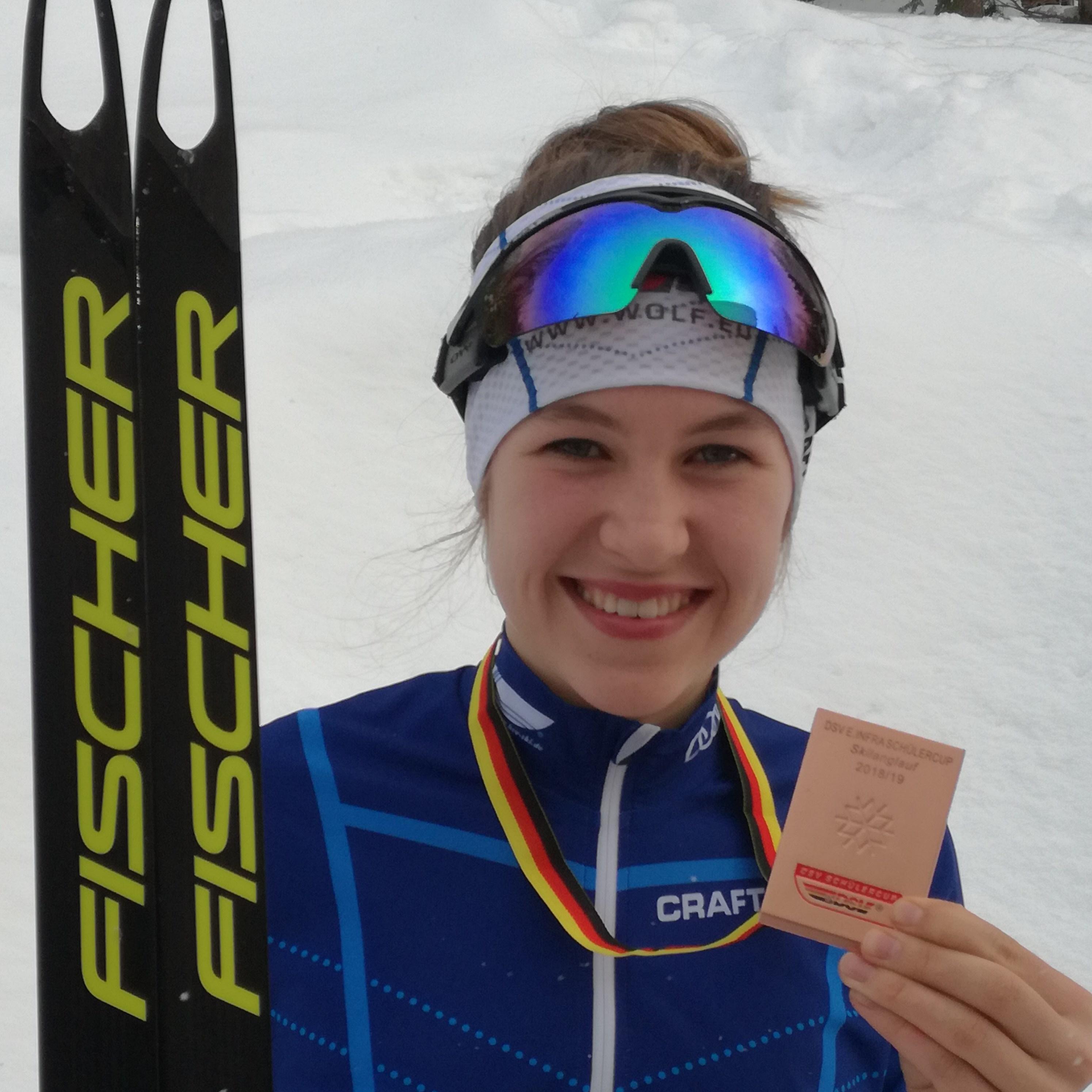 Tina Döringer freut sich über Bronze beim DSC