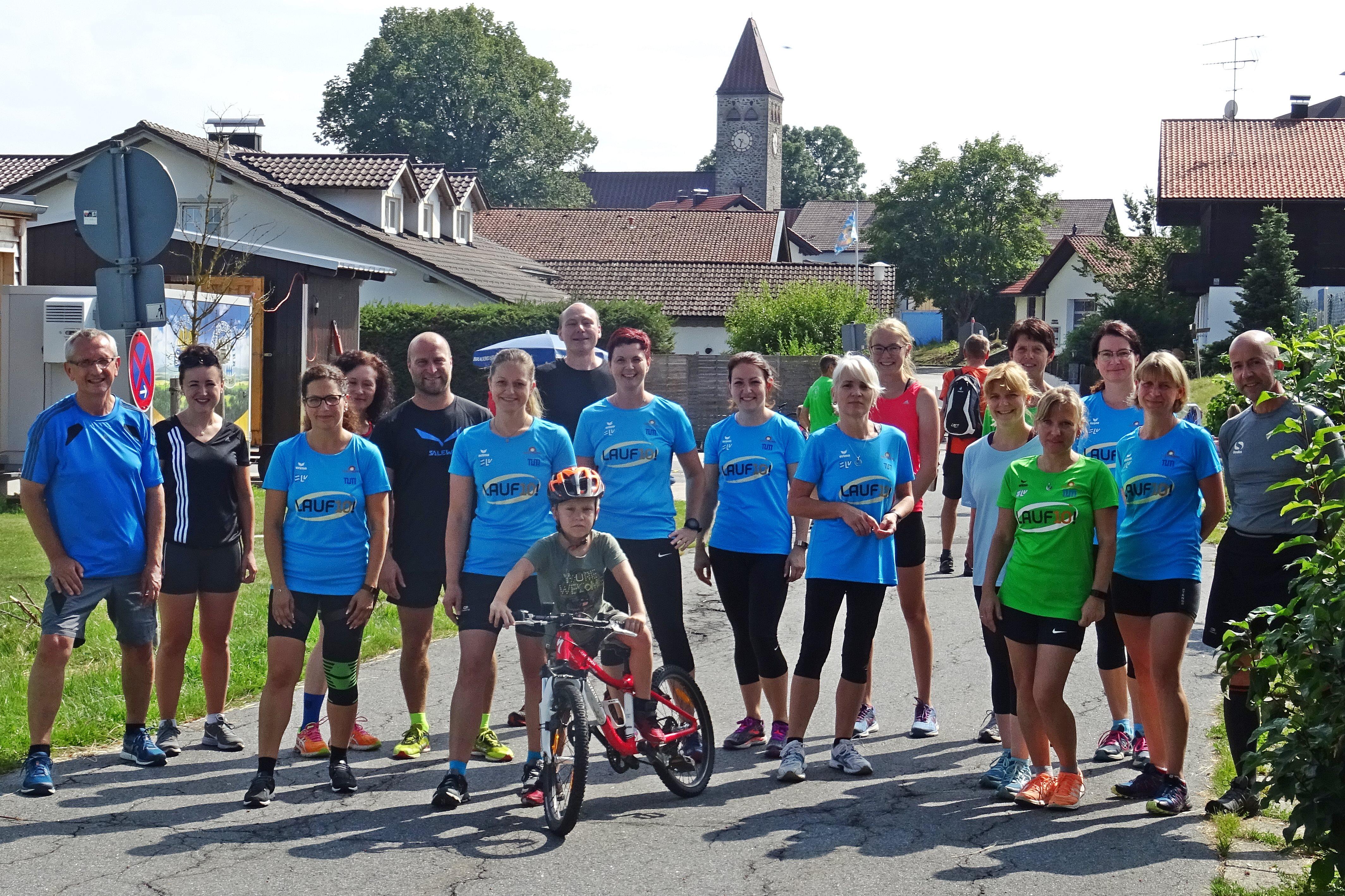 Nochmals 17 Starter(innen) machten sich beim Sport- und Sommerfest über die 10 Kilometer her.
