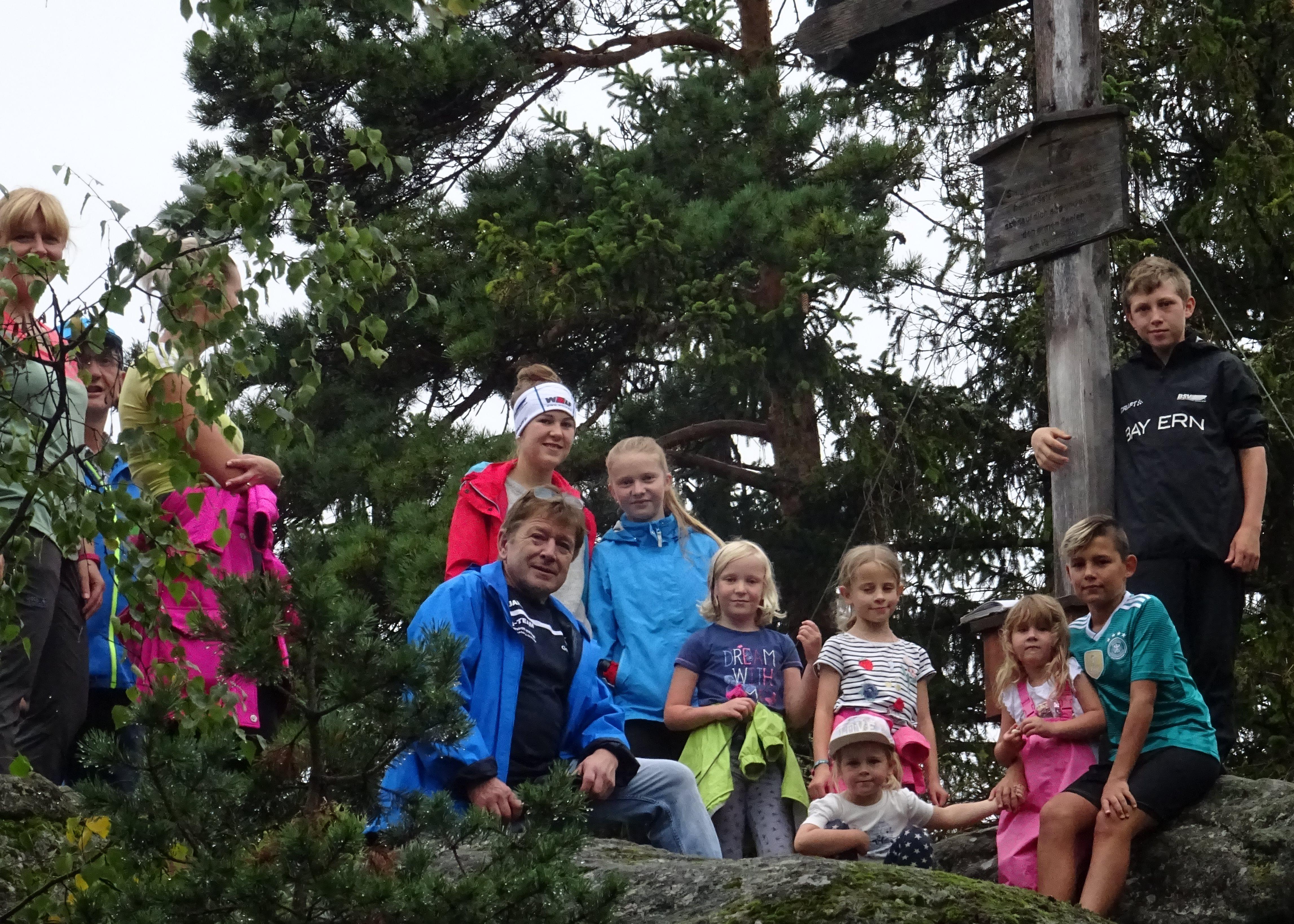 Die jungen Gipfelstürmer auf den Hessenstein